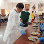 बाल वनिता आश्रम के बच्चों में वितरित किया पका भोजन